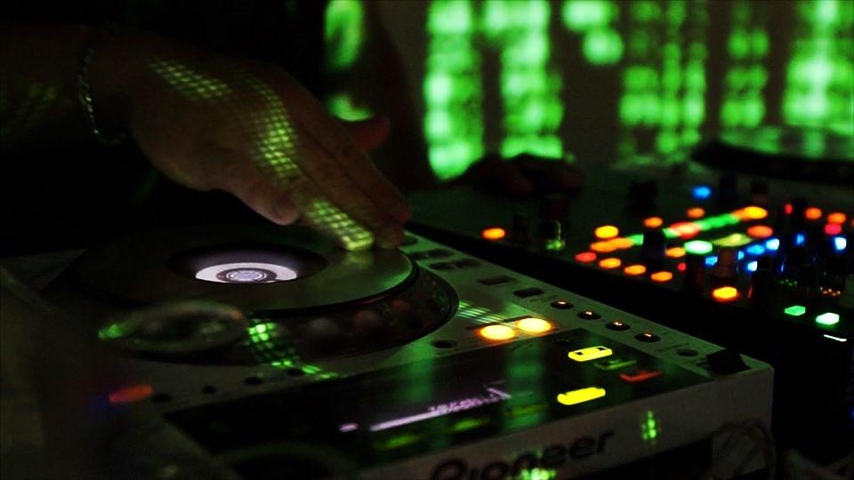 As 03 Músicas que Não Podem Faltar no Seu Evento
