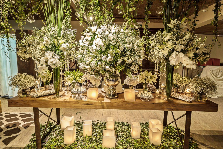 f4e354a151 mesa de doces quata. salão casa bisutti. foyer branco e verde