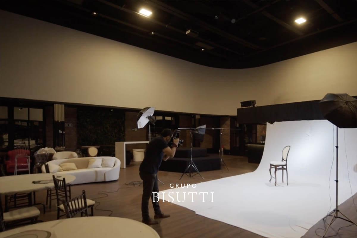 Sessão de fotos para o catálogo de mobiliários