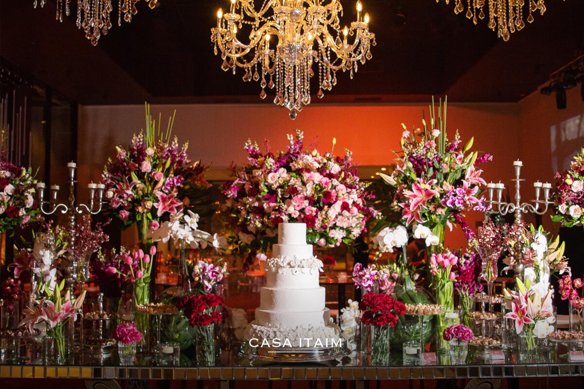 Diversas cores e flores para a sua festa